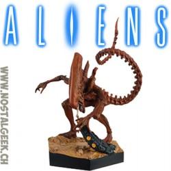 The Alien et Predator Collection - - Aliens Genocide Red Xenomorphe Figure