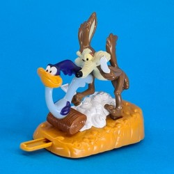 Road Runner and Wile E. Coyote second hand figure (Loose)