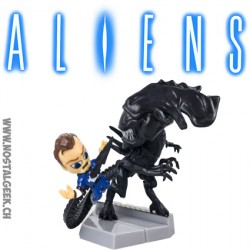 "Aliens ""Queen Takes Bishop"" Mini Figurine"